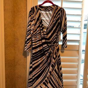Large Tommy Bahama Dress - Black and white